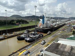Brilliant Journey cruzando el Canal de Panamá